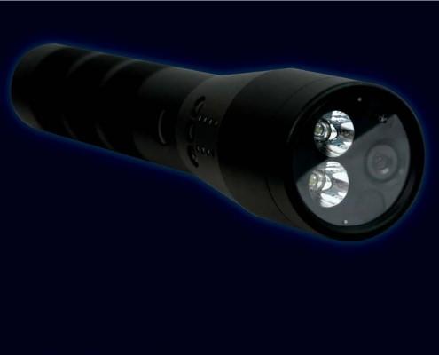 DVF-500 je digitalni video sisitem integrisan u baterijsku lampu. Osim osnovne funkcije baterijske lampe, uređaj ima integrisanu kameru i mikrofon za video i audio snimanje. Idealan za dokumentovanje događaja u noćnim uslovima.